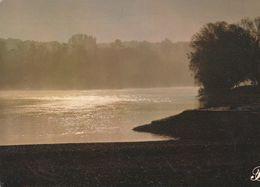 Cpm 10x15. PRESTIGE . BERRY   N° 369017- P17 . Reflets De Soleil Sur L'eau De Rivière - Photographie