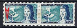 FRANCE 1955: Le Y&T 1012, En Paire Horizontale, Neufs**,  Variété Du TP De Gauche ''Signature Incomplète''  BDF - Variedades Y Curiosidades