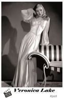 VERONICA LAKE (PB15) - Film Star Pin Up PHOTO POSTCARD - Pandora Box Edition Year 2007 - Donne Celebri