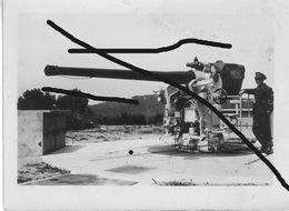Armée Française  Fortification Canon DCA Marine 90 Mm Défense - Guerre, Militaire