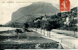 N°240 R -cpa Grenoble -St Martin Le Vinous Et Le Casque De Néron- Roulottes Gitans- - Grenoble