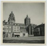 Place D'Argentan . Café Du Commerce . Vers 1922 . - Lieux