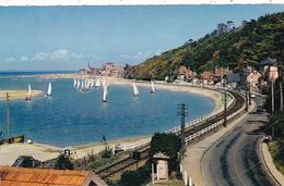 14. CABOURG . CPSM. VOILIERS RENTRANT AU PORT - Cabourg