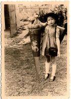 Photo Originale Scolaire, Schuleinführung Ou Zuckertütenfest, Schultüte, Ecolière Vers 1950 - Personnes Anonymes