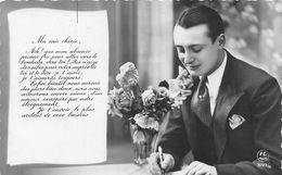 Homme Qui écrit Une Lettre D'amour - Men