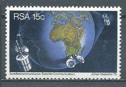 Afrique Du Sud YT N°392 Intelsat IV-A Satellite De Communications Neuf ** - África Del Sur (1961-...)