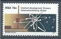 Afrique Du Sud YT N°440 Développement De L'uranium Neuf ** - África Del Sur (1961-...)