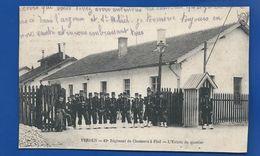 19° Régiment De Chasseurs à Pied   L'Entrée Du Quartier VERDUN  Animées - Regimente
