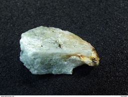 Titantaramellite TL ( 1.5 X 1 X 0.7 Cm) Esquire  N°7 - Rush Creek - Fresno County - California - USA - Mineralen