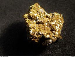 Churchite Y ( 1 X 1 X 1cm) - Grube Leonie -  Auerbach - Oberpfalz - Bayern -  Germany - Minerali