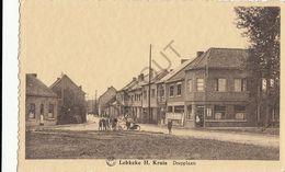 Postkaart - Carte Postale - LEBBEKE - H- Kruis - Dorpplaats   (B183) - Lebbeke