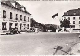 F0389 CRÉPY EN VALOIS - VUE SUR LA PLACE DU PAON - LA TERRASSE DE L'HÔTEL RESTAURANT DES 3 PIGEONS - Crepy En Valois