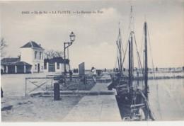 17) ILE DE RE - LA FLOTTE - LE BUREAU DU PORT- (2 SCANS) - Ile De Ré