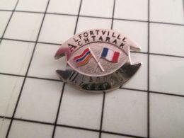 115c Pin's Pins / Beau Et Rare / THEME : VILLES / JUMELAGE ALFORTVILLE ACHTARAK ARMENIE - Steden