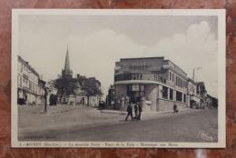 MURET (31) - LA NOUVELLE POSTE - PLACE DE LA PAIX - MONUMENT AUX MORTS - Muret
