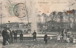 UR 12-(81) LABRUGUIERE - LE JET D' EAU ET LE PONT- ANIMATION - FAMILLES  - 2 SCANS - Labruguière