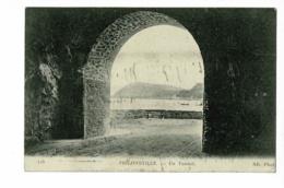 Philippeville - Un Tunnel (vue Sur La Baie) Circulé 1927 - Andere Städte