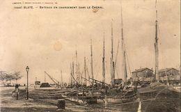 D33  BLAYE  Bateaux En Chargement Dans Le Chenal - Blaye