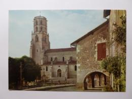 MAUVEZIN (32/Gers) - Eglise - Maison Avec Arcades - France