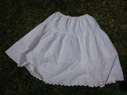 Jupon Decor De Broderie Anglaise - Vintage Clothes & Linen