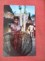Topless Female Liberian Fisherwoman  Liberia     Ref 4138 - Nus Adultes (< 1960)