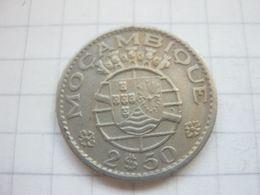Mozambique , 2 1/2 Escudos 1965 - Mozambique