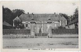 Vaucouleurs. La Facade Et Grille D'entrée Du Chateau De Tusey. - Frankreich
