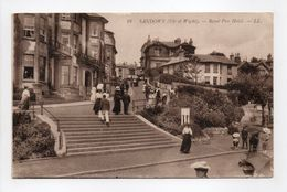 - CPA SANDOWN (Angleterre) - Royal Pier Hotel (belle Animation) - Editions Lévy N° 19 - - Sandown