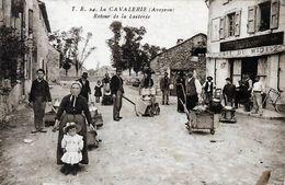 12  //  LA CAVALERIE //  RETOUR DE LA LAITERIE TRES ANIME  1911 - La Cavalerie