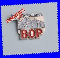 Pin's Compagnie Aérienne AIR FRANCE, Bâtiment Ordonnancement Palettes, Aviation, Avion - Airplanes