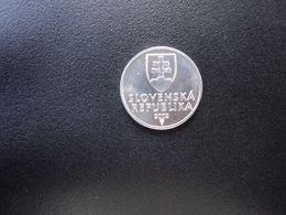 SLOVAQUIE : 10 HALIEROV   2002    KM 17    SUP - Slovakia