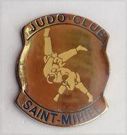 C68 Pin's Judo Club SAINT MIHIEL Meuse Achat Immédiat - Judo