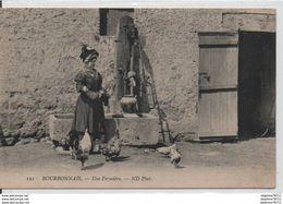Bourbonnais-une Fermière - Autres Communes