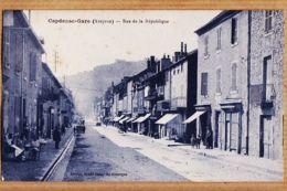 X12179 CAPDENAC-GARE Aveyron Scène De Rue La REPUBLIQUE 1930s Edition GRAND BAZAR Du ROUERGUE THIRIAT BASUYAUD - France