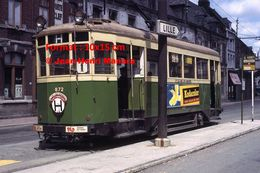 Reproduction D'unePhotographie D'un Tramway Urbain Ligne H Avec Publicité Kodacolor à Un Arrêt Lille En 1965 - Reproductions