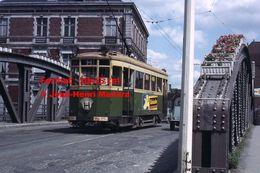 Reproduction D'unePhotographie D'un Tramway Urbain Ligne H Avec Publicité Kodacolor Sur Un Pont Lille En 1965 - Reproductions