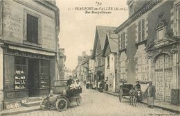 CPA 49 Maine Et Loire Beaufort En Vallée Rue Bourguillaume Fabrique De Sabot Galoches Gouret Attelage Ane Auto - Sonstige Gemeinden