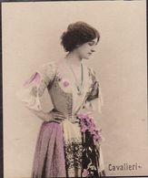 CAVALIERI. FEMME ARTISTE. PHOTOGRAPHIE COLORISE, CARTE DE COLLECTION, TABAC. CIRCA 1915's PETITE TAILLE -LILHU - Cigarette Cards