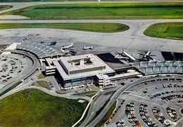 Aéroport International De LYON-SATOLAS - Bâtiment Central Et Les Deux Ailes De L' Aérogare - Lyon