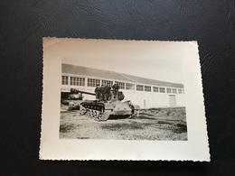 Guerre D'Algerie 1957 - Hangar & Chars M24 - Guerre, Militaire