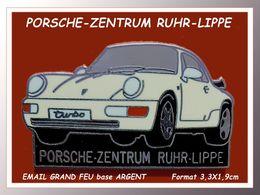 SUPER PIN'S PORSCHE 911 Spoiler LIPPE : PORSCHE ZENTRUM RURH LIPPE émaillé Grand Feu Base Argent, Large Spoiler 3,3X1,9 - Porsche