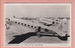 OLD PHOTO POSTCARD -  AVIATION - KLM - AIRPORT - SCHIPHOL - 1946-....: Ere Moderne