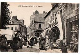 ANTRAIN LE MARCHE COMMERCES TRES ANIMEE - Francia