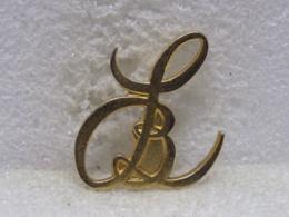 PINS MU42 - Badges