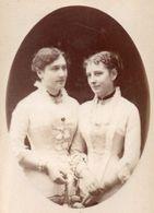 Photo CDV Thérèse Cailliau Et Gabrielle De Biall.. A.Bouillot Paris 1882 - Ancianas (antes De 1900)
