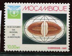 N° 832 Mozambique   ** Contre La Faim - Against Starve