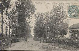 X122356 GERS TOURNAN PASSAGE A NIVEAU DE LA MADELEINE SANS TRAIN MAIS AVEC VOIE FERREE - France