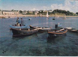 Portsall - Bretagne - Retour De La Péche - Au Fond, L'église - Bretagne