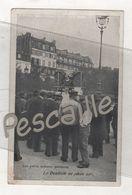 75 - CP ANIMEE LES PETITS METIERS PARISIENS - LE DENTISTE EN PLEIN AIR - H. LAAS E. PECAUD & Cie PARIS - Petits Métiers à Paris