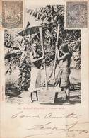 Madagascar Diego Suarez Pileurs De Riz Pileur Cpa Carte Animée + Timbre Timbres N° 63 Et 65 Cachet 1908 - Madagascar
